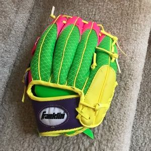 Franklin left handed t-ball glove ⚾️